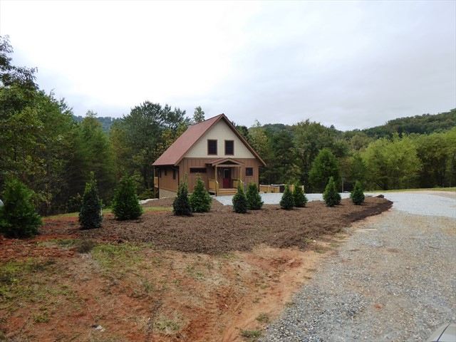 You'll be very secluded at Fox Ridge Cabin